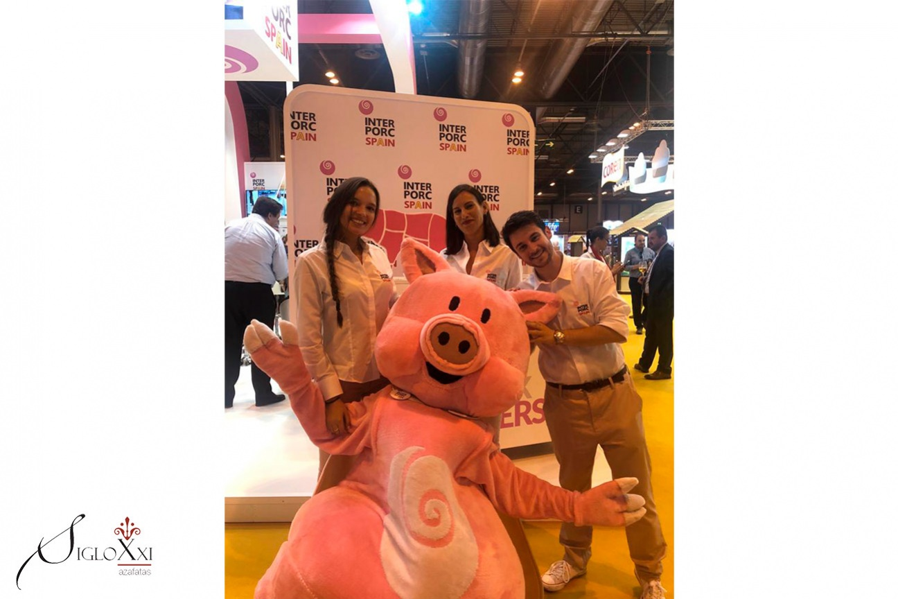 Siglo XXI Azafatas vuelve a estar en Meat Attraction